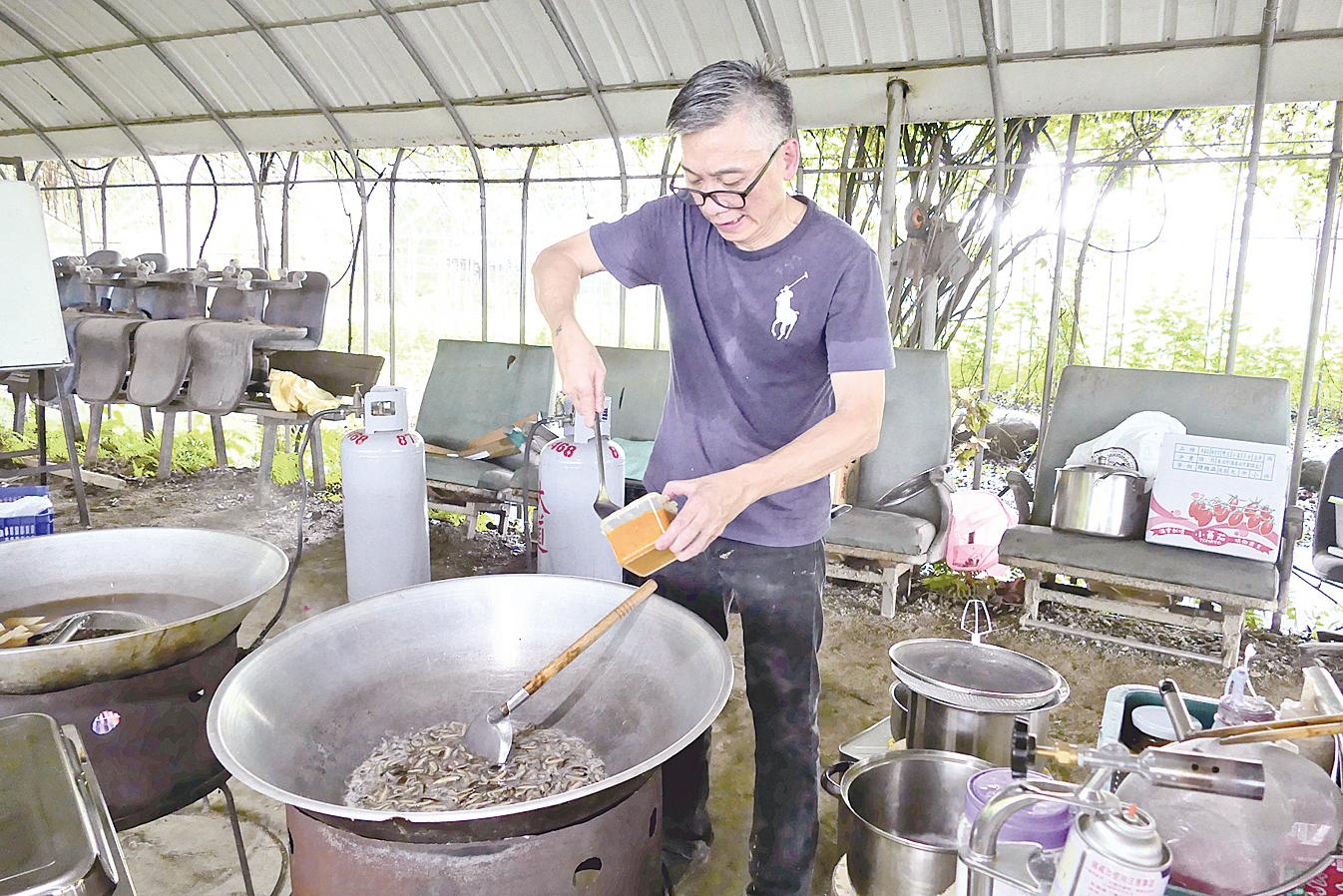 主廚江朝富的好手藝,讓參加婚禮的來賓享受到健康美味料理。