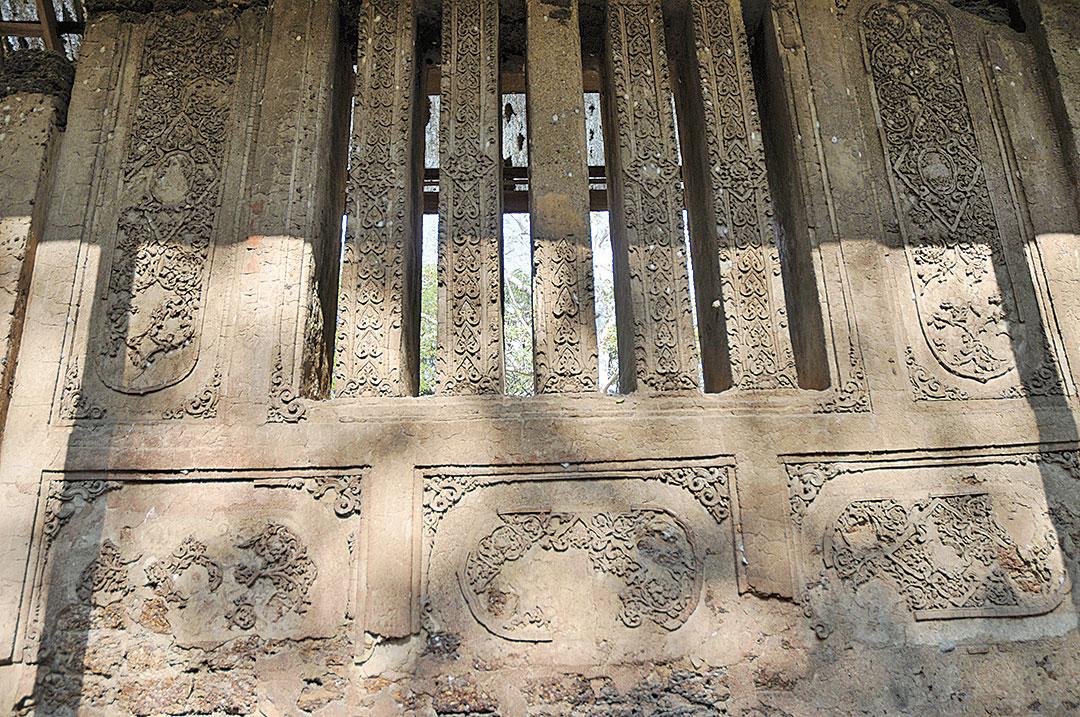 南巴雅寺, 斯里蘭卡式佛塔。(孫明國/大紀元)
