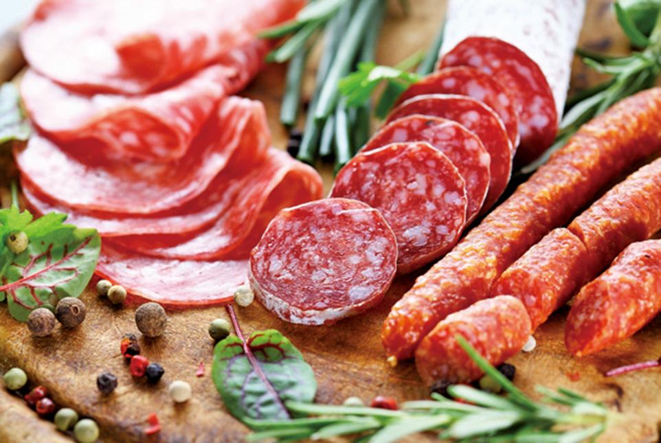 哈佛大學公共衛生學院公佈了一項最新研究,指每日進食紅肉的人,早死機率比其他人高出一成。(shutterstock)