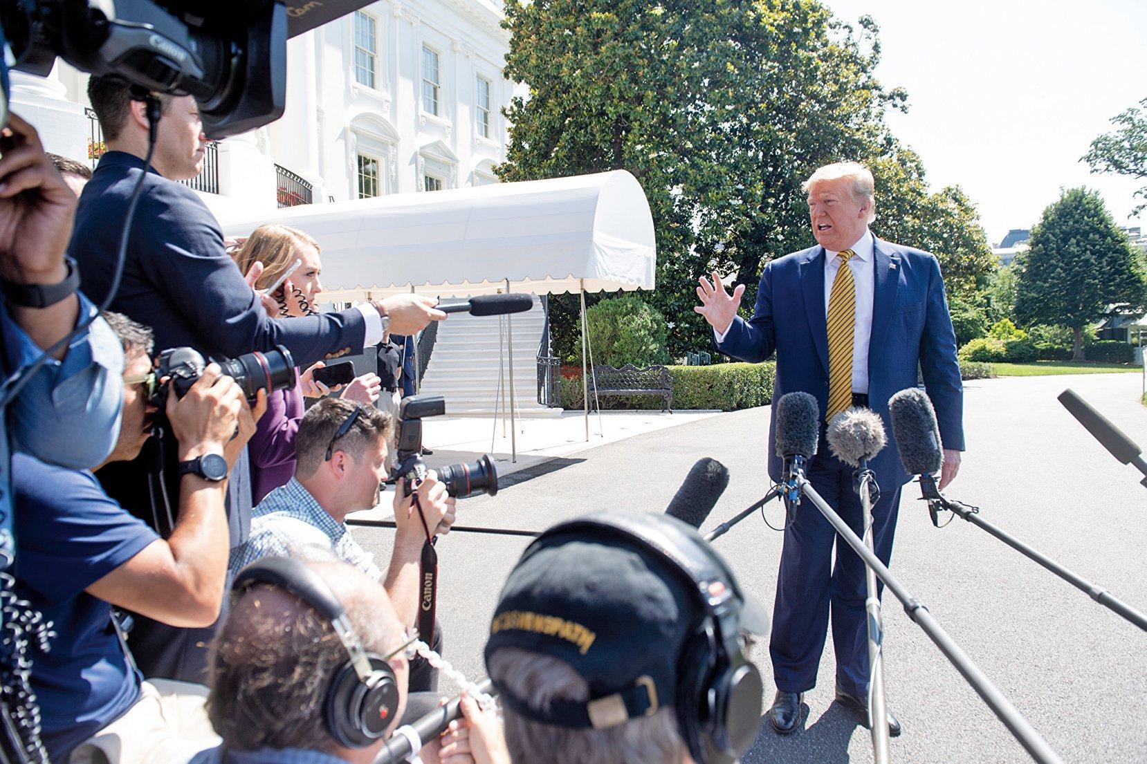美國總統特朗普上周六(6月22日)表示,美國政府正在針對伊朗推出進一步制裁,他本周末將在大衛營討論伊朗局勢。(AFP)