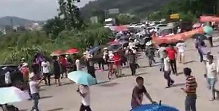 反對建垃圾焚燒場   數千村民與警爆衝突