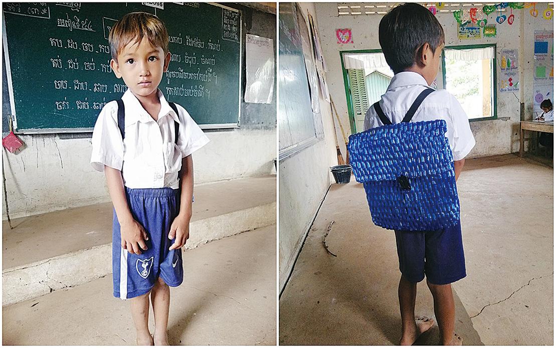 耿背著爸爸親自為他編織的尼龍繩背包上學。(Sophous Suon Facebbook)