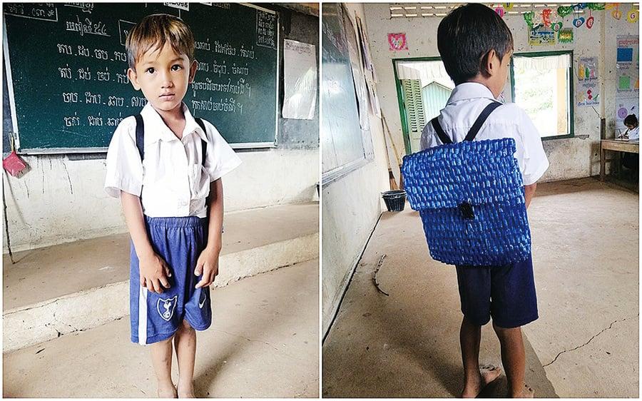 兒子背著爸爸親手編織的書包上學 老師感動