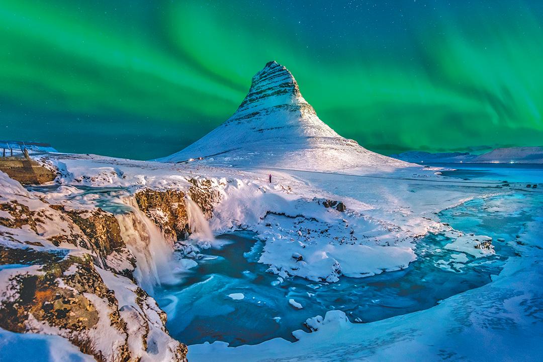 冰島極光是永生難忘的奇幻美景。