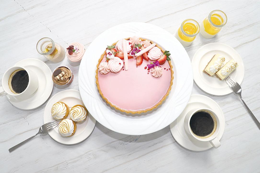 主廚特製的「粉紅甜心朱古力派」。