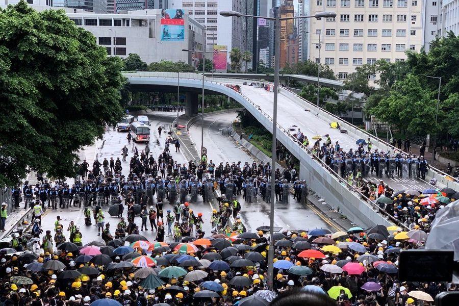 香港資深媒體人劉細良籲「勿暴力衝突」
