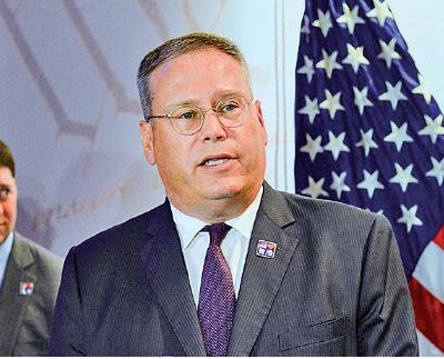 美駐港總領事:和平表達最有效