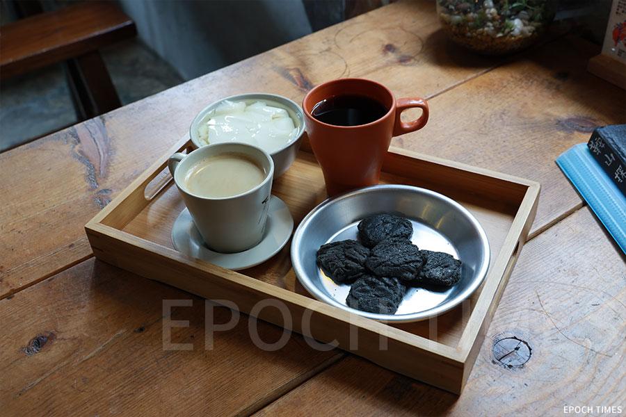 鞍山探索館設有茶座,提供特色小食。(陳仲明/大紀元)