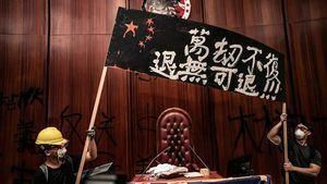 為何衝擊香港立法會?現場記者描述內情