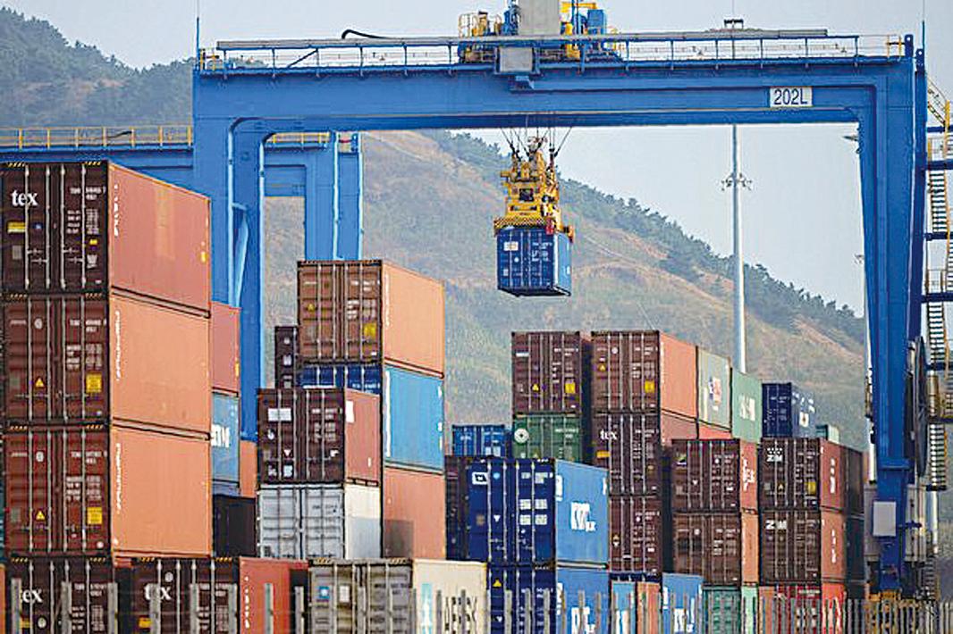 美國對2,000億美元中國商品加徵25%關稅後,中國經濟會受到嚴重打擊。(STR/AFP/Getty Images)