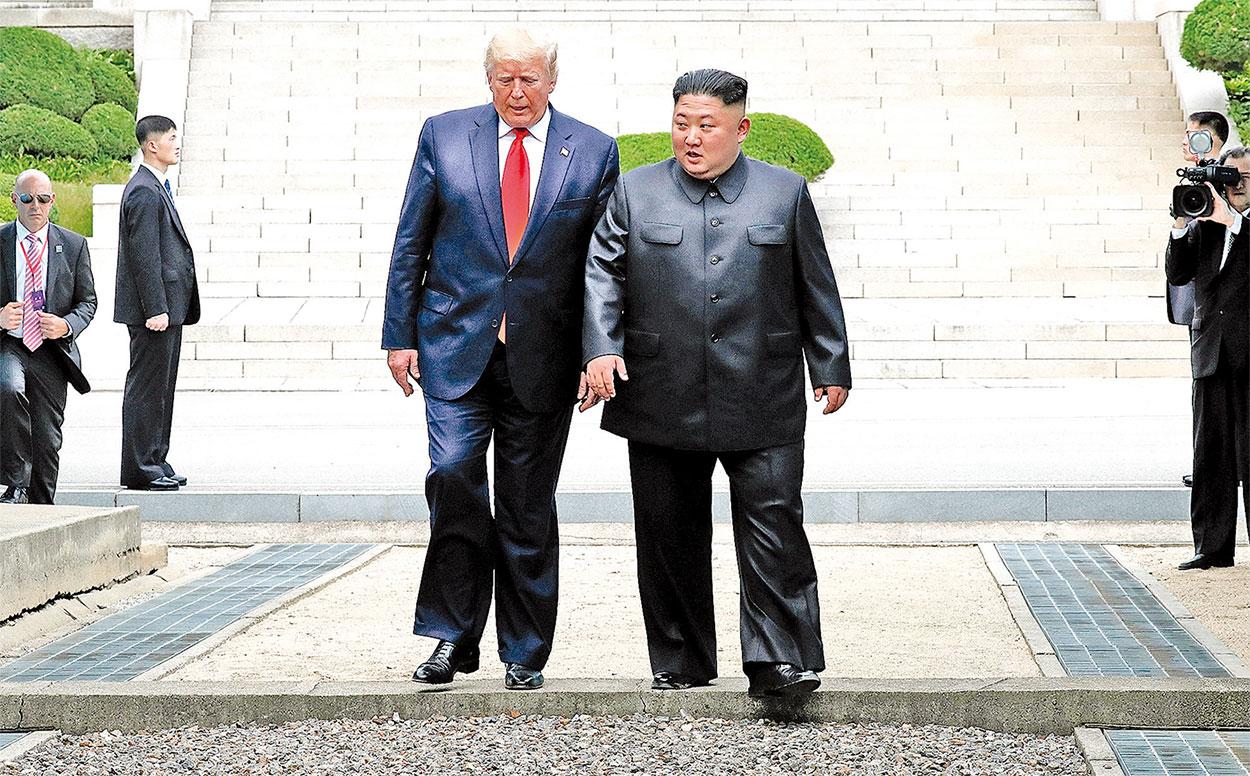 6月30日,美國總統特朗普踏入了北韓領土,此舉令中共很惱火。(Getty Images)