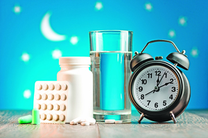 翻來覆去睡不著!? 助眠藥物越吃越多 當心產生藥物依賴