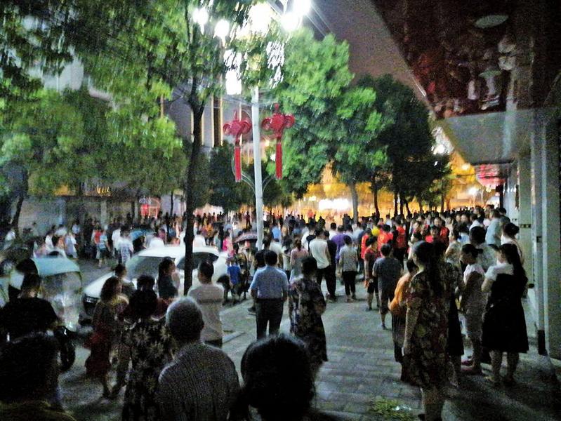 中共威逼利誘禁阻無效 武漢民眾堅持抗議垃圾焚燒發電