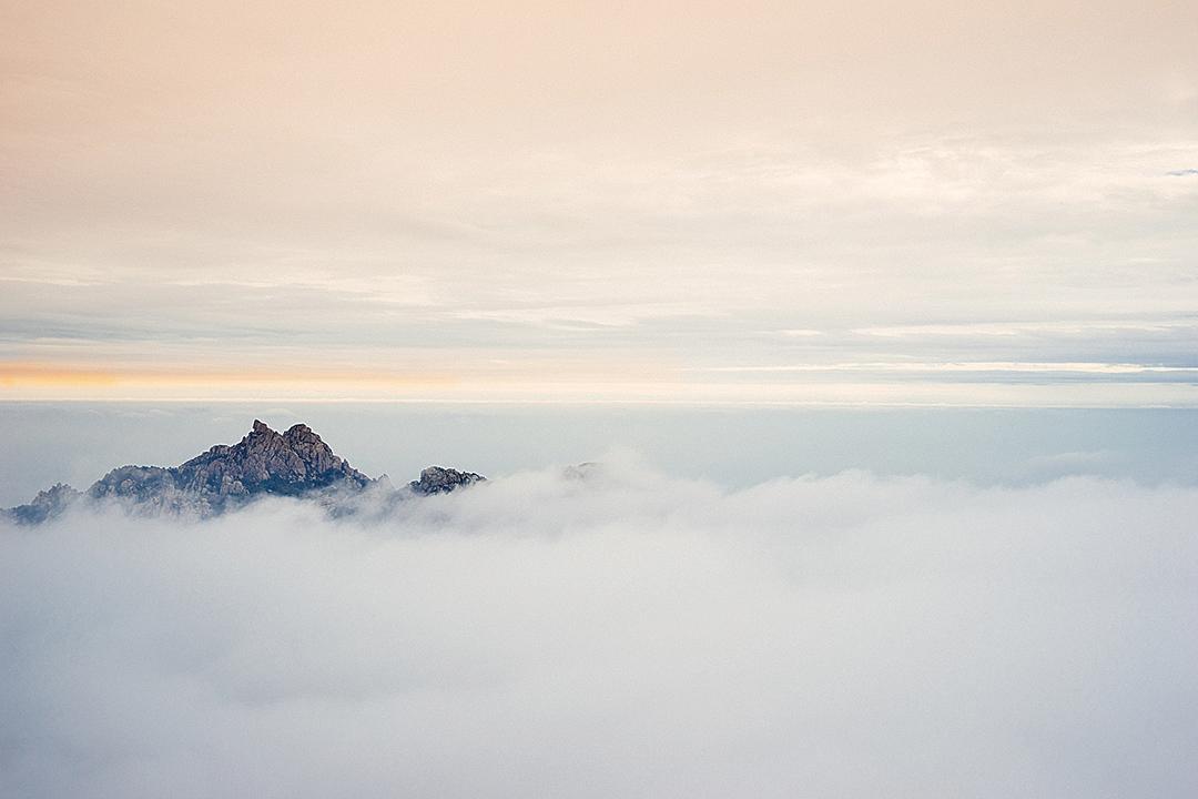 山東青島嶗山 (H.D. Tomas Lee/Shutterstock)