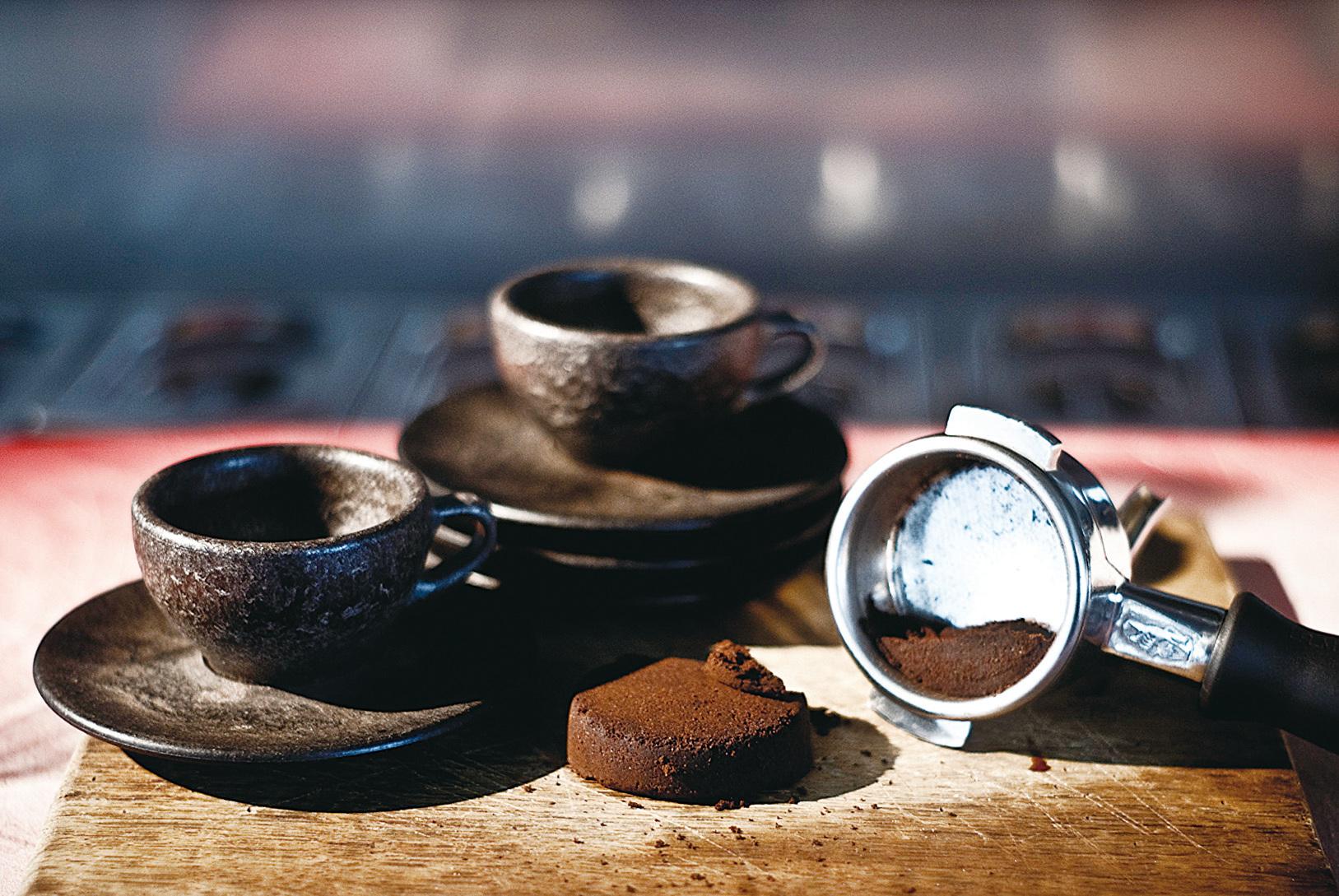 以咖啡渣為原料的環保可分解咖啡杯,在各咖啡館和餐廳都倍受歡迎。(Kaffeeform Instragram)