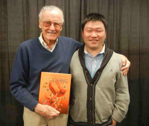 大雄(右)和已故前Marvel漫畫負責人兼董事長Stan Lee。(大雄提供)