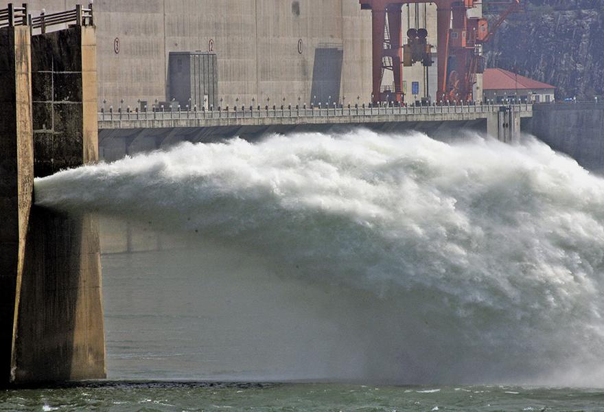 三峽大壩存變形隱患