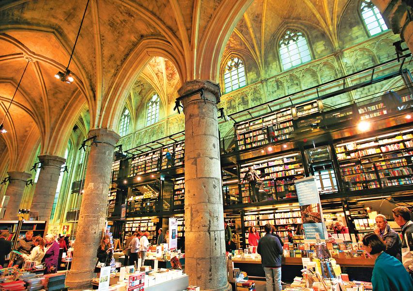 全球最美書店 開在800年教堂裏
