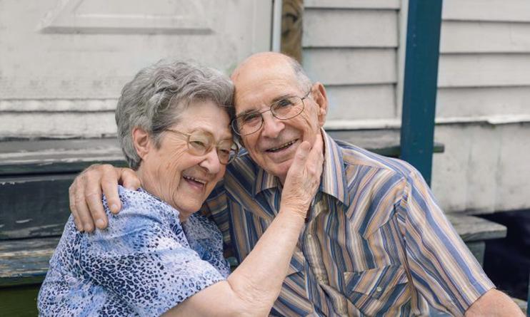 有研究顯示,擁有一個有責任心的伴侶,會給人們帶來快樂和健康,而盡職盡責的伴侶,對生活質量也有積極的影響。(ccpixx photography/Shutterstock)