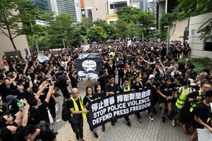 靜默遊行捍衛新聞自由