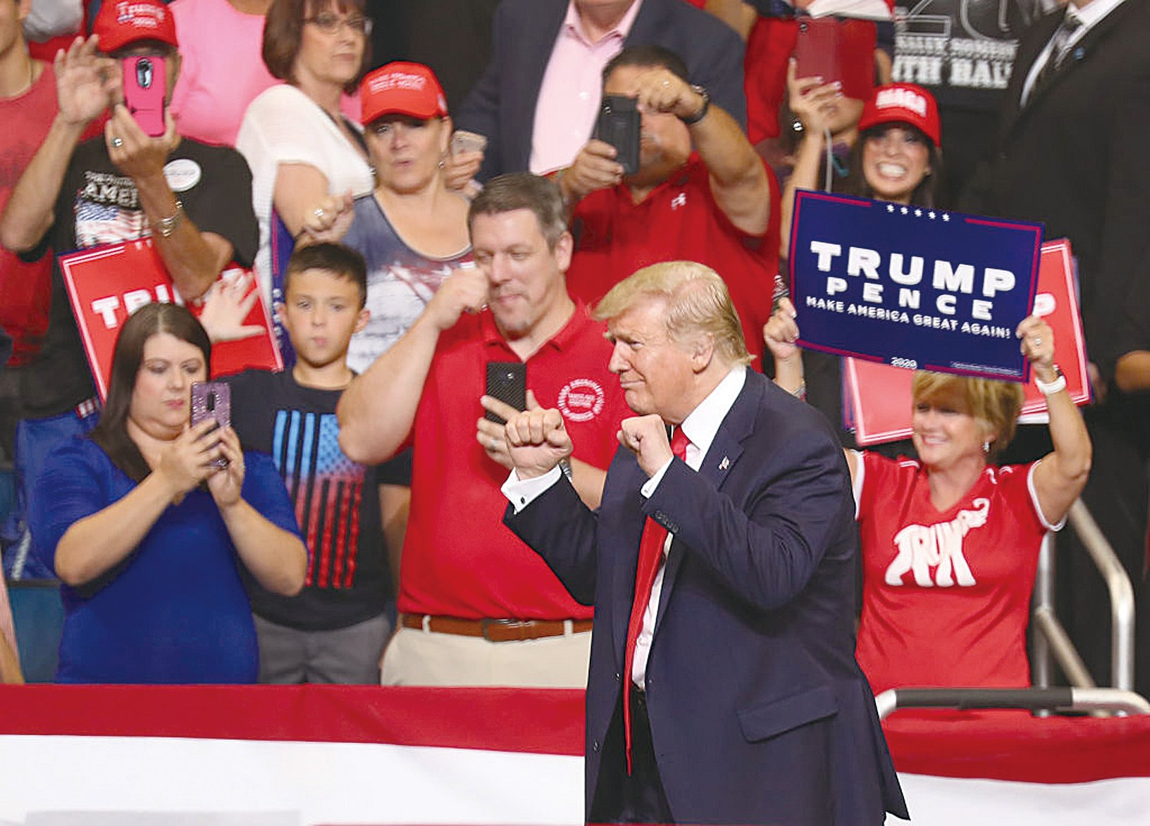 2019年6月18日,佛羅里達奧蘭多,特朗普集會現場有數萬民眾支持特朗普連任。(Joe Raedle/Getty Images)