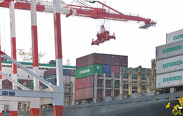 6月份,中國對美出口同比下降7.8%。(AFP)