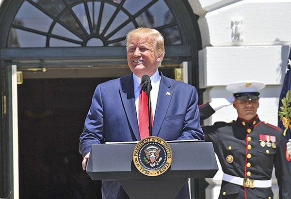 7月15日,美國總統特朗普表示,以前的美國政府允許外國竊取美國的工作,並掠奪美國財富,這種現象已經持續多年,但不再發生了。(AFP)