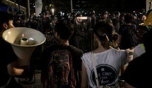 警民衝突不斷瀕失控 港警:高層推我們去送死