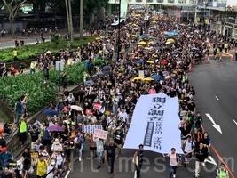 【7.21反送中】43萬港人遊行後 元朗現黑幫暴打民眾 警方縱容失職