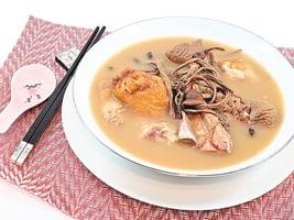 茶樹菇無花果燒豬手湯