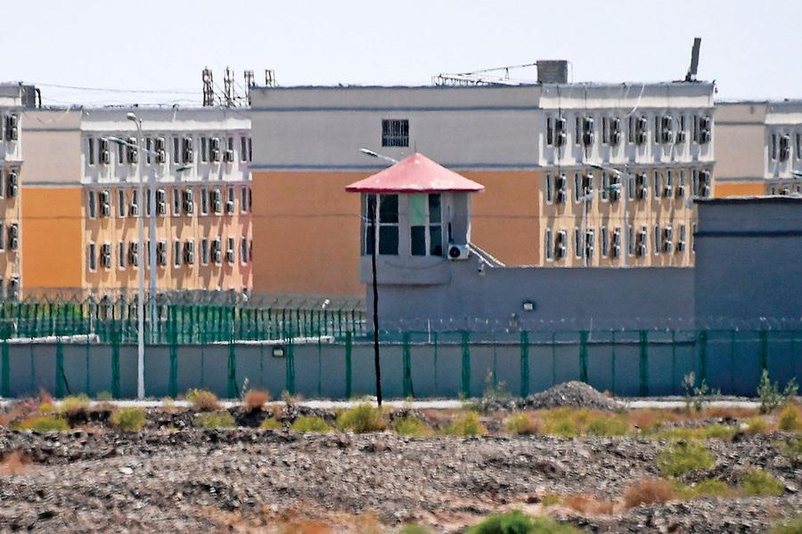 新疆再教育營不只關維族人
