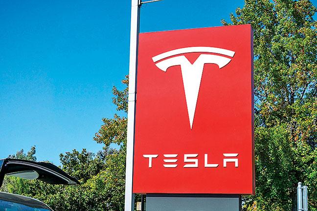 電動車製造商Tesla開始簡化產品線以求推動銷量。(Shutterstock)