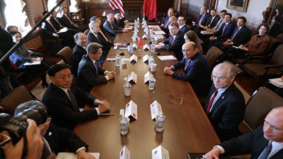 中美貿易重啟談判地方由北京轉向上海,引起各界關注。(Chip Somodevilla/Getty Images)