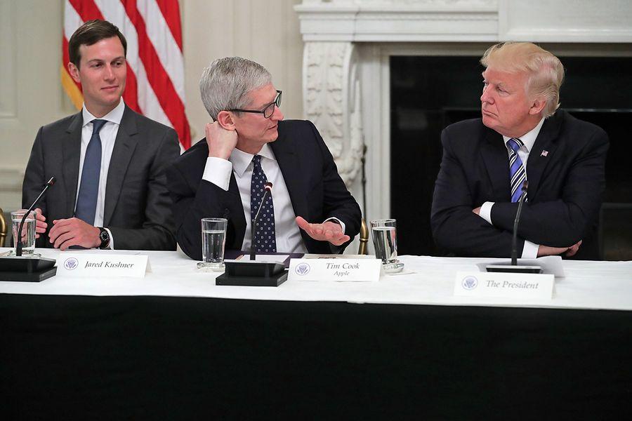 美國總統特朗普表示,對於蘋果公司在中國生產的筆記本電腦Mac Pro零部件,不會給予關稅減免。(Chip Somodevilla/Getty Images)