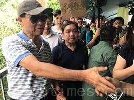 嶺大校長鄭國漢元朗視察 回應罷免何君堯訴求