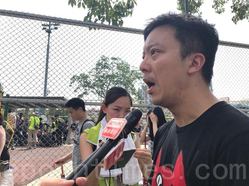 市民元朗「逛街」:抗議警察黑幫勾結