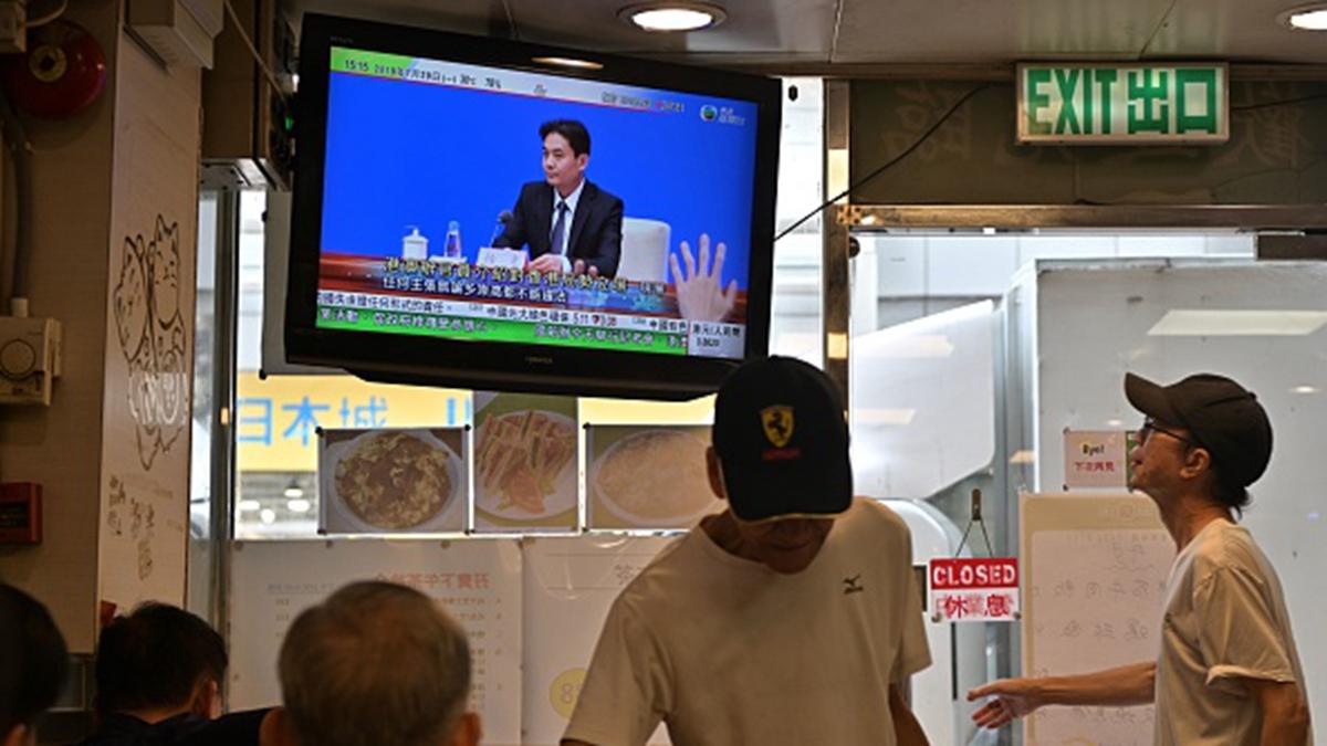 7月29日,中共港澳辦在北京舉行記者會,首次就香港問題公開表達立場。 (ANTHONY WALLACE/AFP/Getty Images)