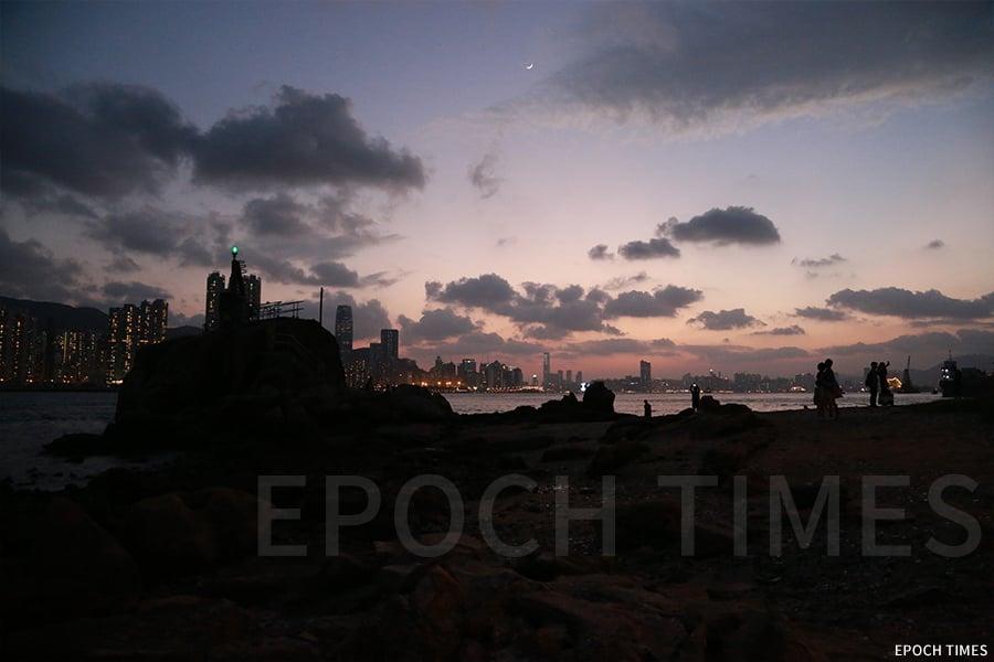 「鯉魚夜月」曾被譽為「香港八景」之一。(陳仲明/大紀元)