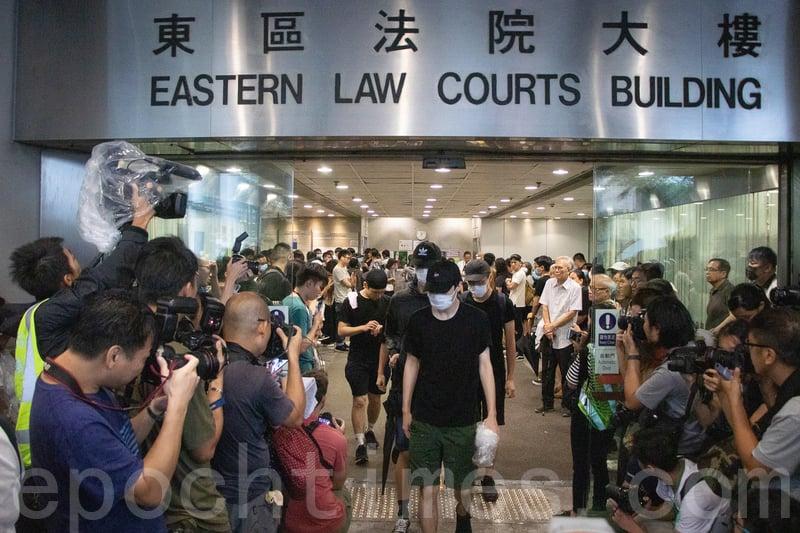 43人被控暴動罪獲准保釋