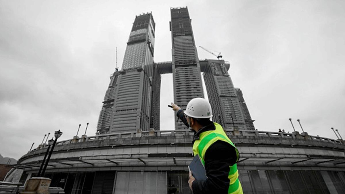 中共政治局7月30日召開會議,首次提出不將房地產作為短期刺激經濟的手段。業內人士分析,中國房地產真的要進入寒冬了。(WANG ZHAO/AFP/Getty Images)