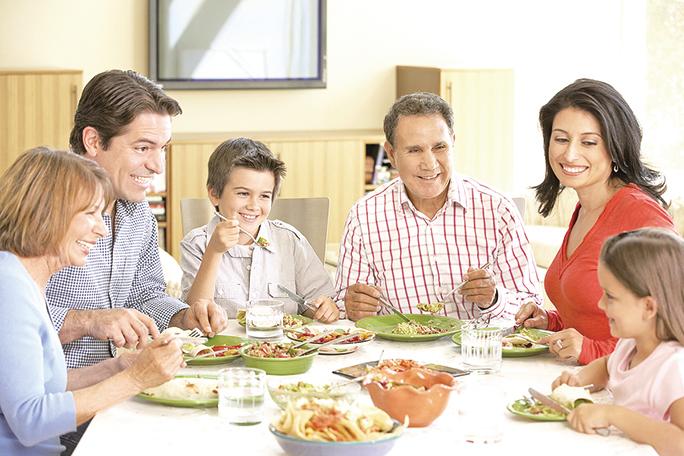 研究人員表示:「協調膳食與晝夜節律,或身體的生物鐘,可能是減少食慾和改善代謝健康的有力策略。」(Fotolia)