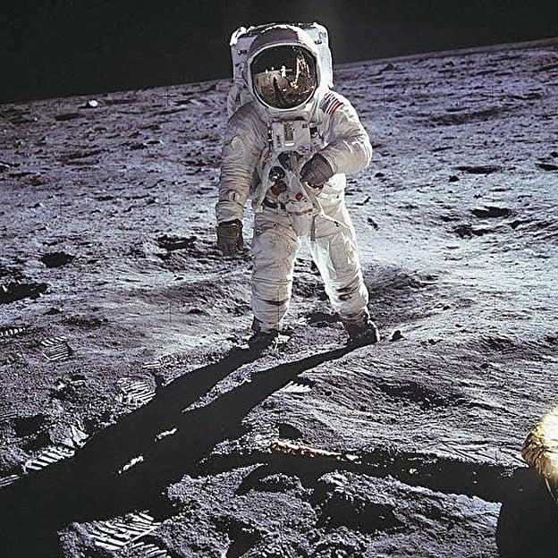 太空人登月。(pixabay)