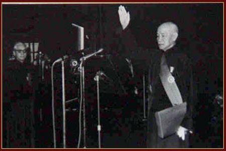 蔣介石於中山堂宣誓就任中華民國第四任總統。(台北中山堂)