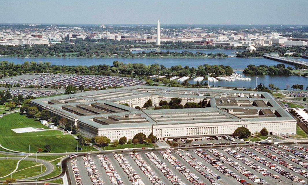 中美對抗升級之際,美國五角大樓(圖)清退在中國有親屬的美國大兵,引發外界猜測。(Ken Hammond / Courtesty of the U.S. Air Force / Getty Images)