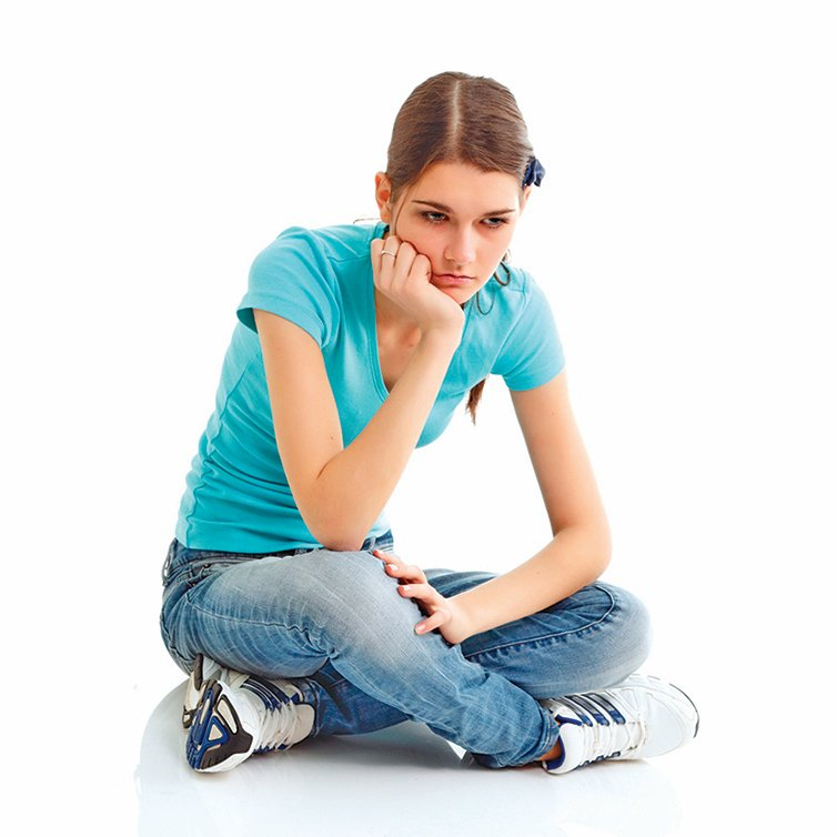 過度防衛的人認為別人看不起他,為了減輕自己的痛苦而再一次傷害他人。