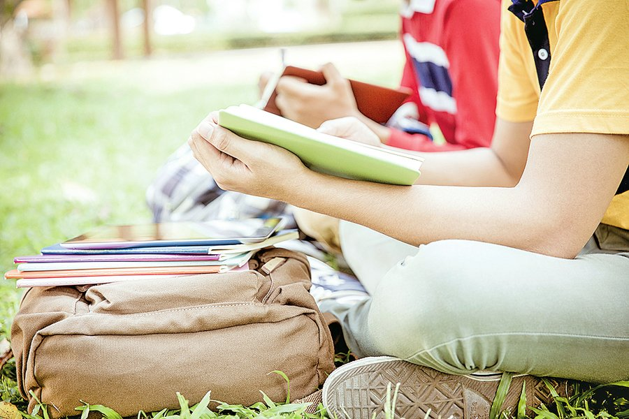 中國學生看上美國小城高中