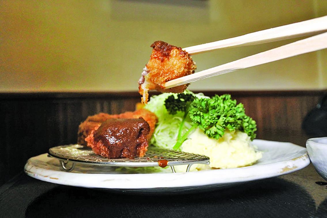 沾醬式味噌腰內肉排。