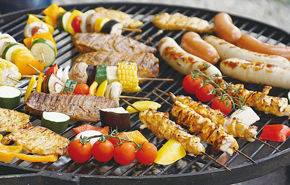 吃進體內而累積於腸道的大量脂肪質,可以經由吃土被吸收並排出,幫助治療肥胖症。(Pixabay)