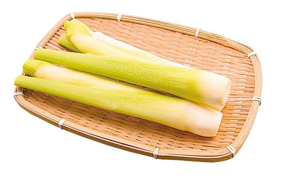 茭白筍不去綠皮用半杯水去蒸,可保持鮮嫩度。