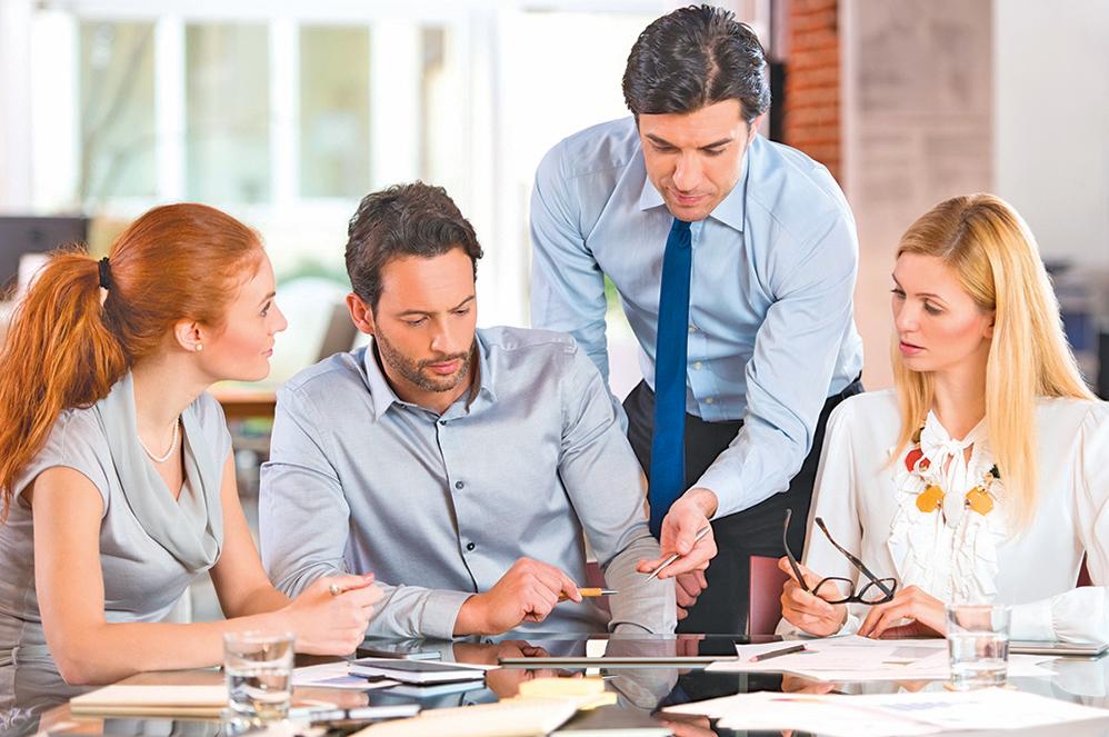 大多數的老闆、 上司總還是忍不住要去「關心」部屬、 後輩。 結果一個不小心就會多嘴, 讓自己的「關心」變成了「多管閒事」。